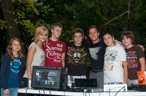 DJ Mateusz i jego nowi asystenci